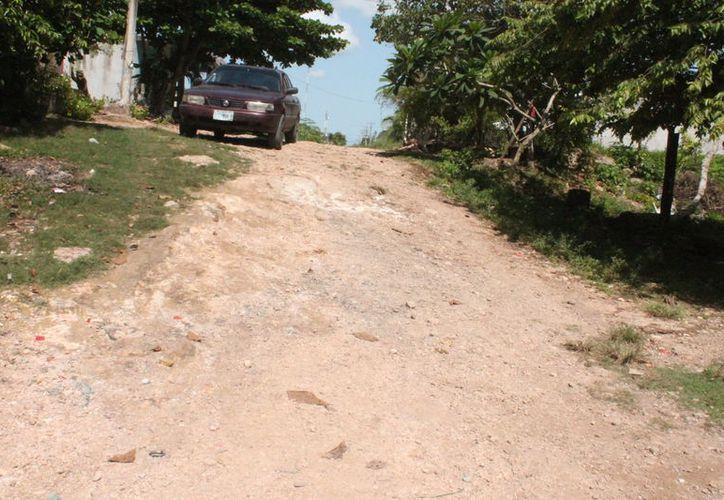 Habitantes de las colonias con rezagos señalan que Bacalar no es sólo la costa, y por ello exigen respuestas a las autoridades. (Carlos Castillo/SIPSE)