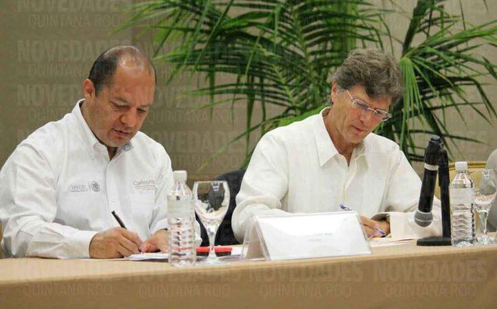 Firman convenio para realizar verificación sanitaria permanente en el estado. (Daniel Pacheco/SIPSE)