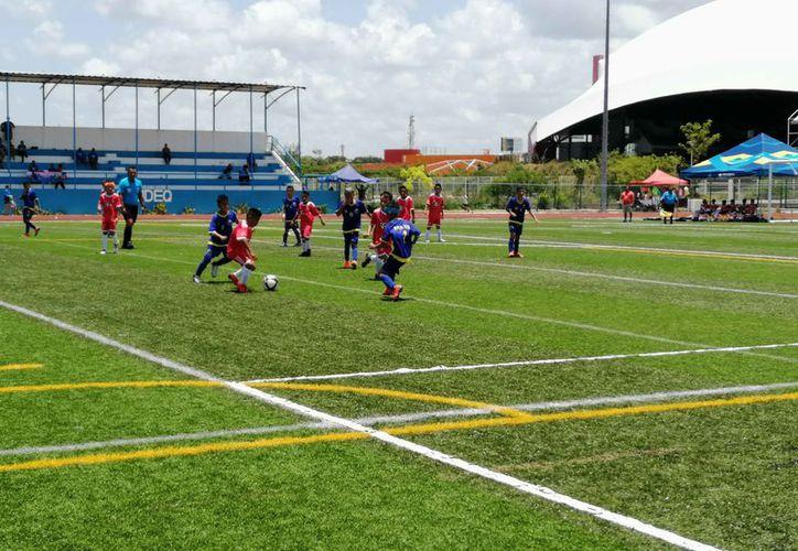 Se desarrolló el segundo día de actividades del Campeonato Nacional de Fútbol. (Raúl Caballero/SIPSE)
