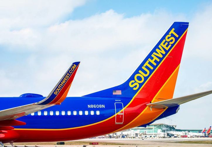 El estudiante iraquí radicado en California exige una disculpa pública por parte de la aerolínea Southwest por la forma en que fue bajado del avión tras utilizar una palabra que se interpretó como amenaza. (Forbes)