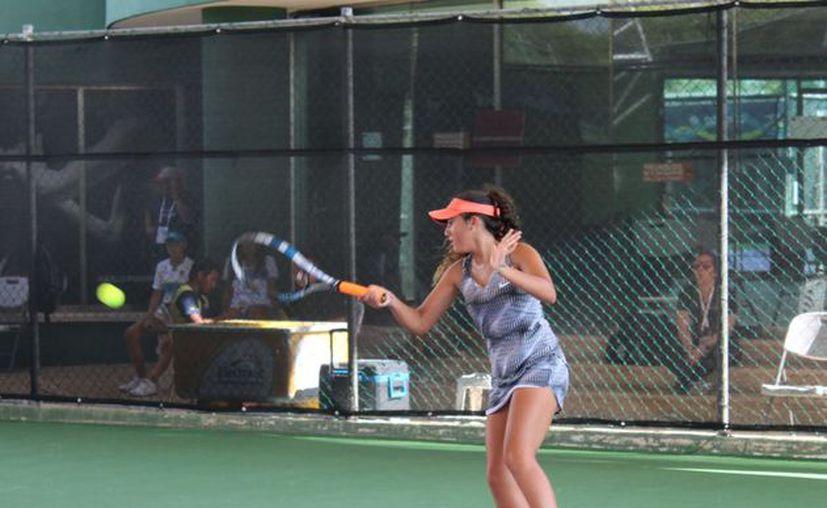 Los duelos se llevaron a cabo en las instalaciones del World Tennis Academy. (Ángel Villegas/SIPSE)