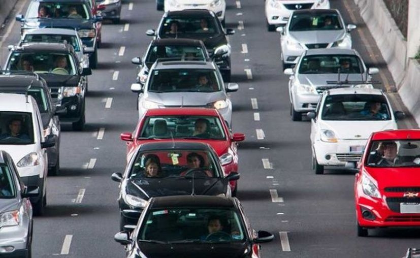A partir del próximo año, los conductores ya no tendrán que pagar la tenencia. (Excélsior)