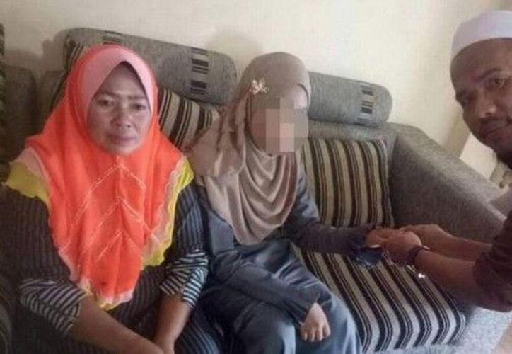 Padres de familia le dan permiso a hombre mayor de desposar a su hija. (foto: ABC)