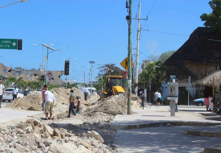 Afectan las obras que se realizan en la zona comercial de Tulum. (Sara Cauich/SIPSE)