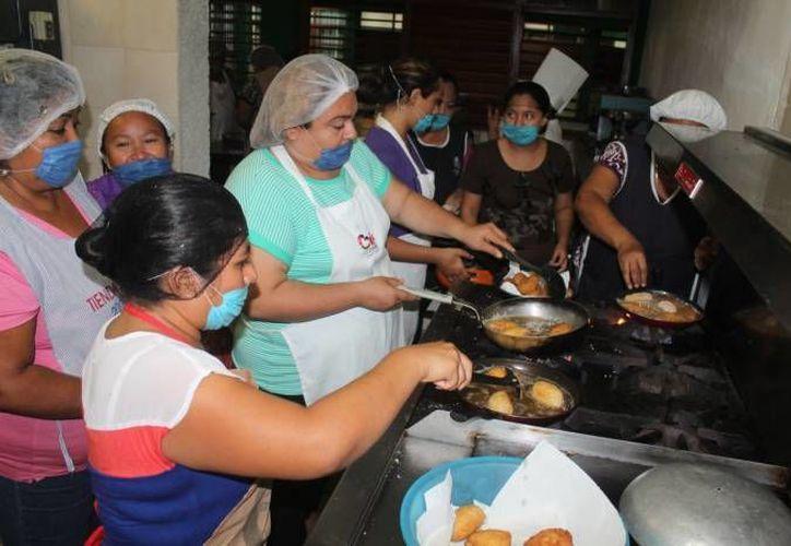 Institutos de Capacitación para el Trabajo serán dotados de equipo para el área de cocina. (Ángel Castilla/SIPSE)