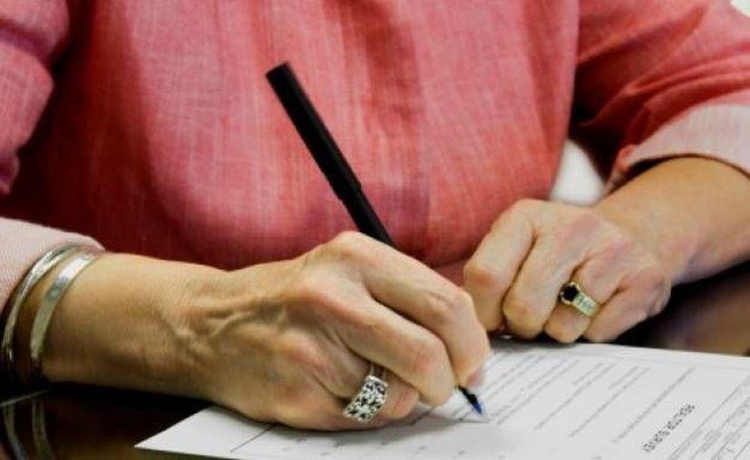El registro de un testamento oscila en cuatro mil 400 pesos, pero durante septiembre los costos se reducen. (Foto de Contexto/Internet)
