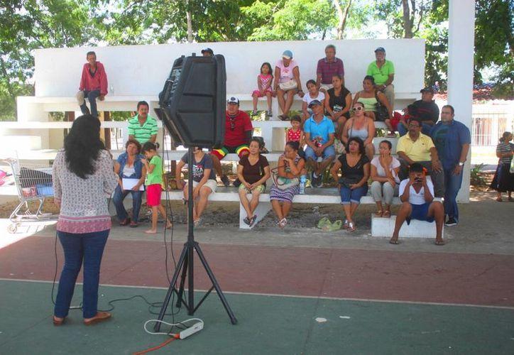 El director municipal de Fiscalización y Cobranza, informó que se tiene conocimiento del tema aunque aclaró que nadie tiene concesionado dicho espacio público. (Daniel Pacheco/SIPSE)