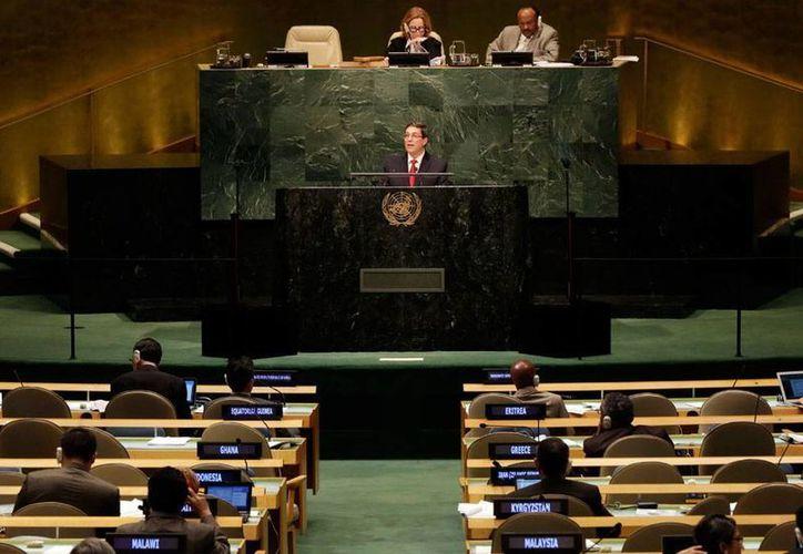 El canciller de Cuba, Bruno Rodríguez Parilla, habla ante la Asamblea General de Naciones Unidas. Su discurso se centró en criticar a su 'histórico' enemigo: Estados Unidos. (AP)