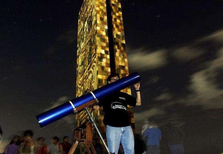 Expertos se preparan para observar el fenómeno astronómico. (Christian Ayala/SIPSE)
