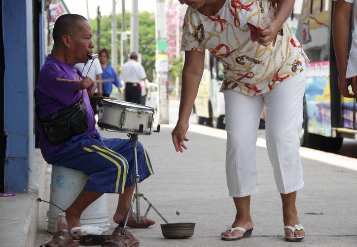 Carlos Pérez Sánchez, llegó a Cancún llevando, a través de la música, el ejemplo de que todo es posible. (Consuelo Javier/SIPSE)
