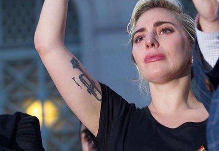 Lady Gaga expresó su dolor por medio de lágrimas y palabras debido a la masacre realizada el pasado domingo en un bar de Florida. (Facebook/ Lady Gaga)