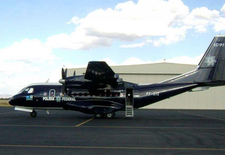 La aeronave de la Policía Federal realiza sobrevuelos continuos desde que inició la Semana Santa para vigilar y reportar a tierra.