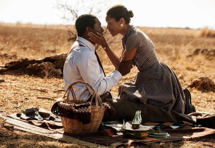 """""""Mandela: Long Walk to Freedom"""" ha tenido la aprobación de Mandela y la cooperación de su familia. (Agencias)"""