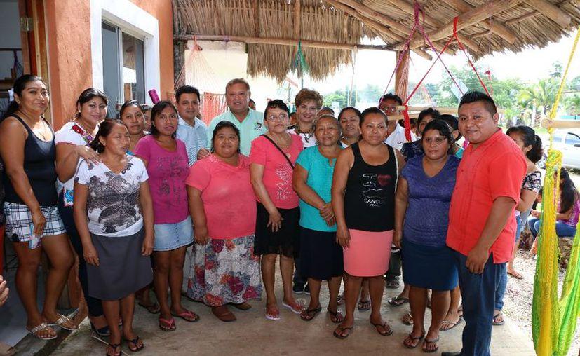 Los cursos fueron encaminados para ayudar en la economía de las familias. (Gloria Poot/SIPSE)