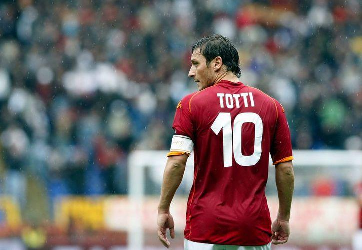 El club A.S. Roma envió al espacio la última playera que usó su ex capitán Francesco Totti. (Corazón 3.0).