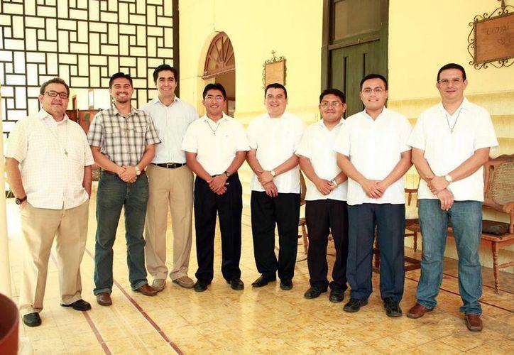 Los jóvenes serán los primeros en ser ordenados por el  Arzobispo Gustavo Rodríguez Vega. (Jorge Acosta/Milenio Novedades)