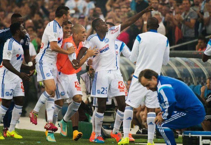 El equipo Marsella, dirigido por Marcelo Bielsa, 'El Loco' (d), pasa por un bache tanto en la Liga como en la Copa de Francia. (losandes.com.ar)