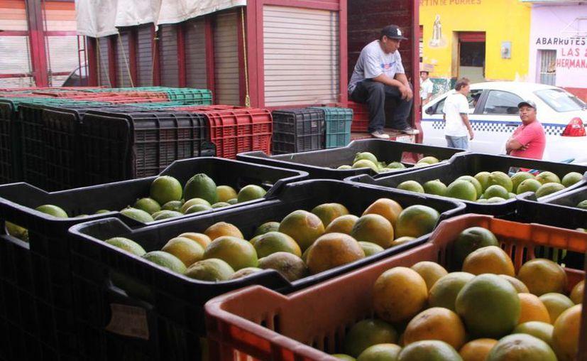 Cítricos, los productos que más subieron en el tercer fin de semana de la cuesta de enero en Yucatán. (SIPSE)