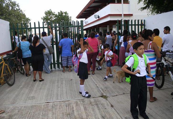 Garantizan espacios dignos para el desarrollo escolar de niños y niñas. (Harold Alcocer/SIPSE)