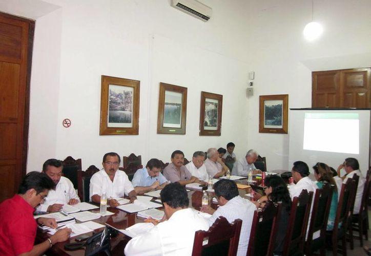 Sesión del Consejo Educativo. (SIPSE)