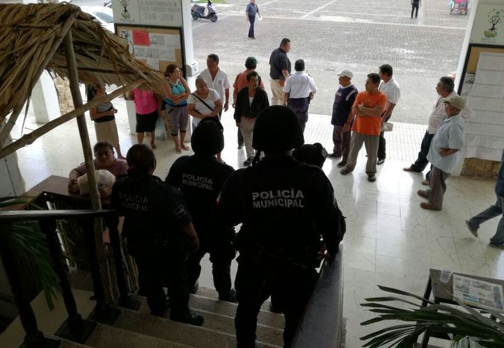 Los manifestantes aseguran que continuarán con su lucha y no se detendrán hasta tener un resultado adecuado a sus peticiones. (Jesús Caamal/SIPSE)