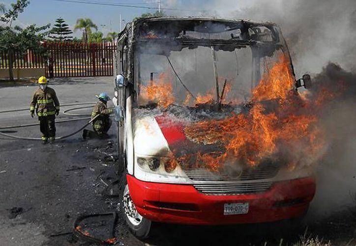 Se reportaron  39 bloqueos en carreteras de Jalisco, Colima, Guanajuato y Michoacán.  (Archivo/Excélsior)
