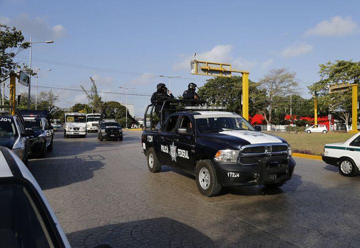 Aumenta la presencia de elementos policíacos en la ciudad. (Israel Leal/SIPSE)