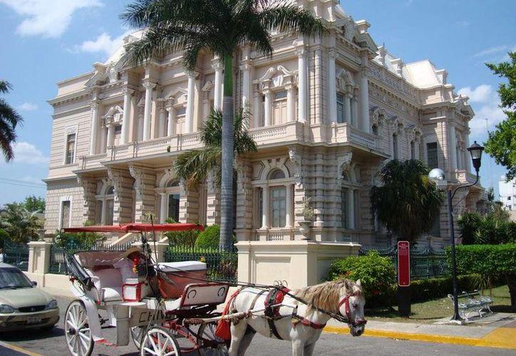 Inversión de más de cinco millones de pesos para obras de mantenimiento al Palacio Cantón a fin de evitar el deterioro del inmueble. (Milenio Novedades)