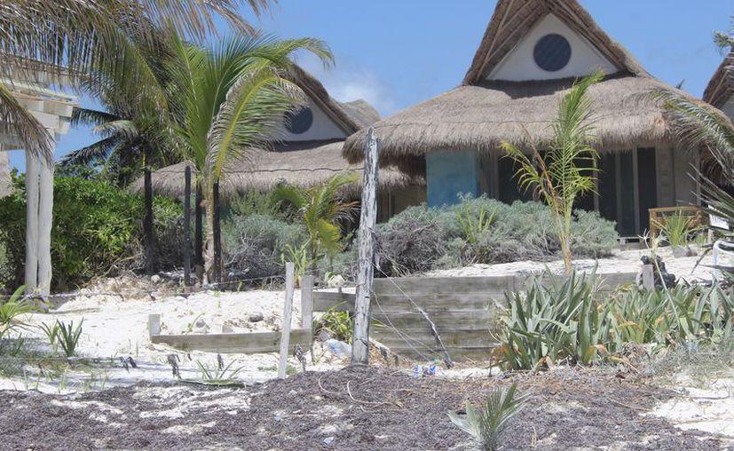 Hace un par de años el hotel fue clausurado por el Instituto Nacional de Antropología e Historia (INAH). (Sara Cauich/SIPSE)