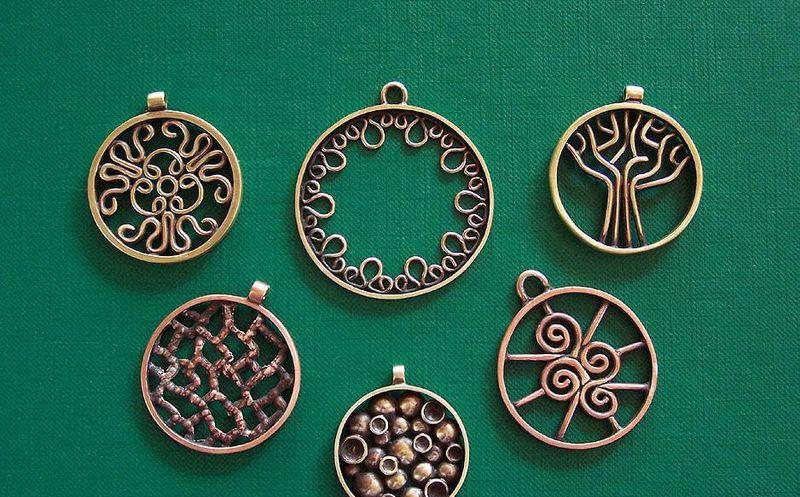 enigmas amuletos de la buena suerte para el fin de año milenio