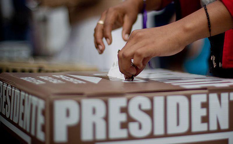Sólo tres independientes presidenciables han logrado el 50% de firmas: INE