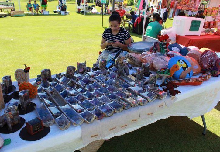 En el evento participaron 60 artesanos. (Luis Soto/SIPSE)