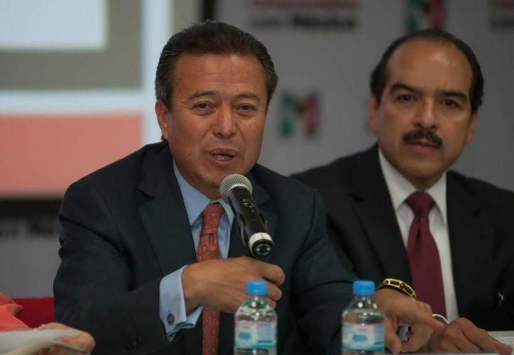 César Camacho planteó que el PRI enfrentará retos en 2013. (Archivo/Notimex)