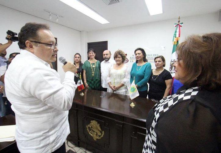 Herrera Novelo manifestó que el gobernador Rolando Zapata instruyó que se armonicen las leyes en materia de equidad de género. (Milenio Novedades)