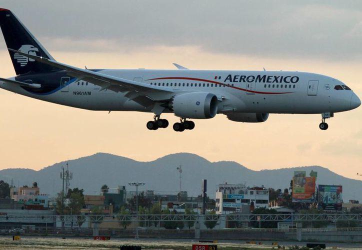 Será un vuelo diario hacia y desde Monterrey-Nueva York que ofrecerá Aeroméxico. (Archivo/Notimex)