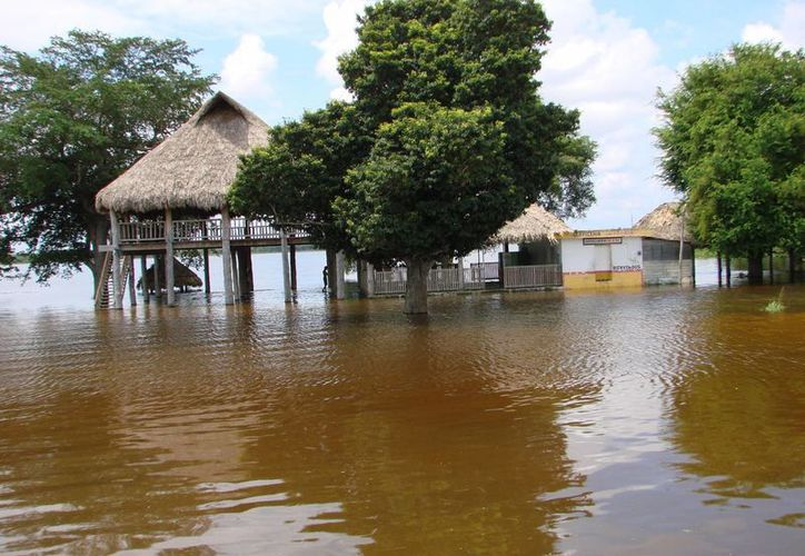 El Ayuntamiento local prevé implementar las acciones preventivas necesarias en caso de que el nivel del agua incremente. (Manuel Salazar/SIPSE)