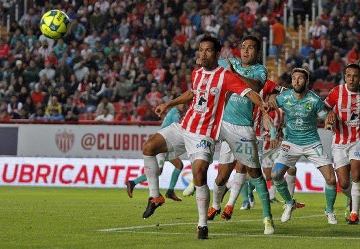 Necaxa ligó su segunda derrota del torneo al caer ante el León. (Liga MX)
