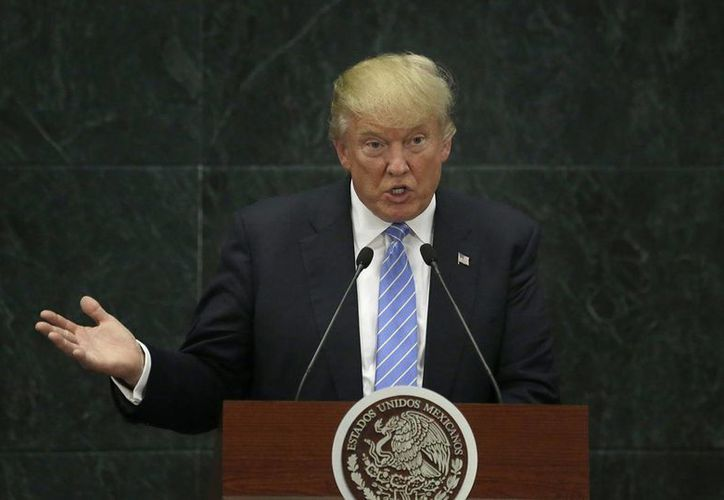 Donald Trump realizó una visita 'relámpago' a México para encontrarse con el presidente Enrique Peña Nieto. (AP/Marco Ugarte)