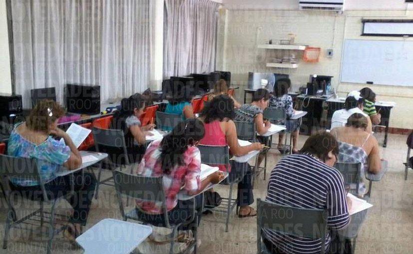 Se reveló que las personas que ocupan puestos en el rubro de la educación, fueron puestos ahí, por amistad o política. (Foto: Joel Zamora/SIPSE).