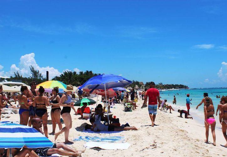 Las playas más concurridas de Playa del Carmen fueron playa Mamitas, Punta Esmeralda, Caribe, Playacar y Coco Beach. (Octavio Martínez/SIPSE)