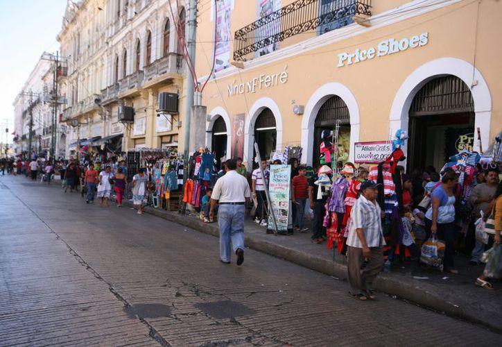 La Calle Ancha del Bazar dista mucho ahora de ser la Calle de las Bonitas. (SIPSE)