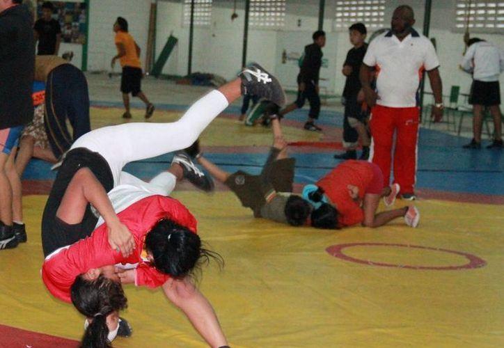 Las eliminatorias de fútbol femenil y luchas asociadas se realizarán en Chetumal. (Raúl Caballero/SIPSE)