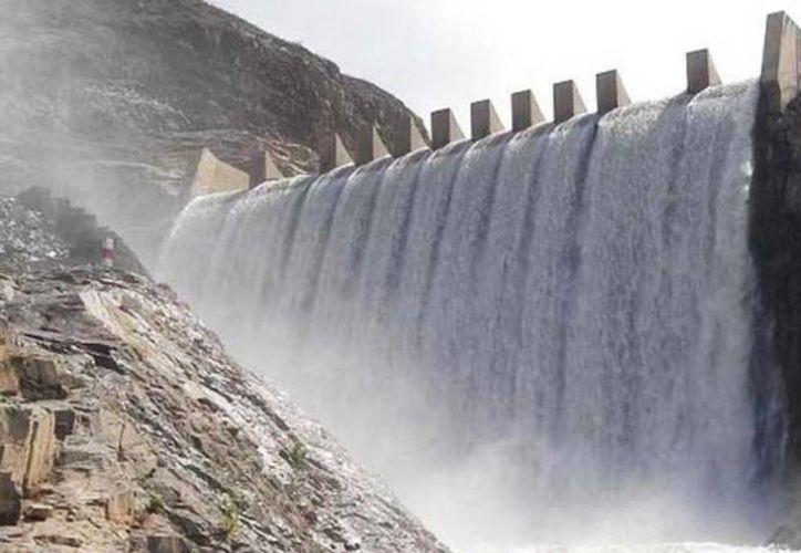 El huracán llegará a Zacatecas con intensidad, por lo que se desfogan 5 presas. Imagen de contexto de un dique mexicano. (noticiasmvs.com)