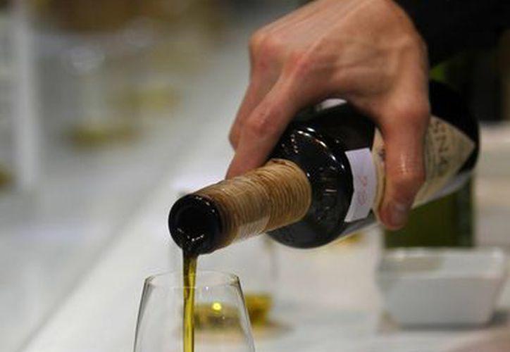 Esta promoción tiene como objetivo incrementar el consumo doméstico del aceite de oliva argentino. (EFE/Archivo)