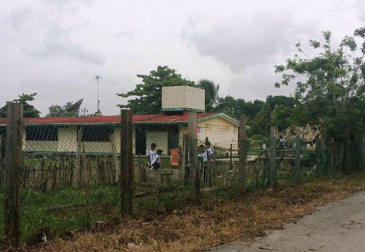 Las escuelas y comercios regresan a su rutina tras las severas inundaciones. (Edgardo Rodríguez/SIPSE)
