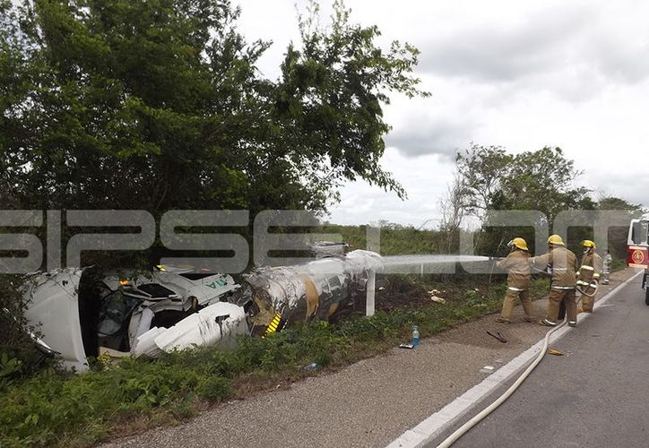 El accidente se presentó sobre la autopista Mérida–Cancún, la mañana de este martes. (SIPSE)