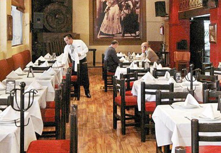 El restaurante La Soldadera luce semivacío, gracias a las manifestaciones de la CNTE en la Ciudad de México. (Milenio)