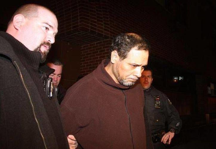 Carlos Alberto Amarillo  fue acusado de los cargos de asesinato en primer y segundo grado, así como de posesión criminal de un arma. (nydailynews.com)