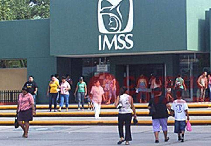 En el IMSS aumentan los casos de urgencias en vacaciones porque la ciudadanía no aplica las medidas de seguridad. (Notimex)