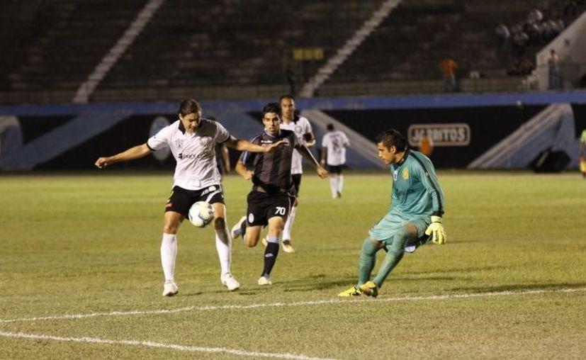 Los Venados perdieron contra los Leones Negros en su debut en liga (foto) pero este miércoles ganaron al arrancar en la copa. (SIPSE/Foto de archivo)